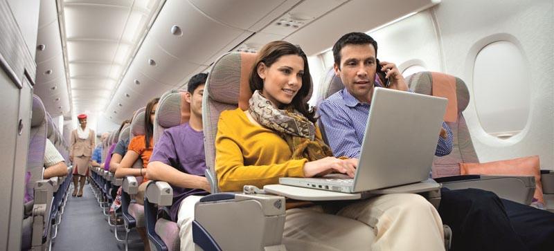 Los pasajeros que viajen a EE UU desde el aeropuerto de Dubái no podrán llevar ningún dispositivo electrónico mayor que un teléfono móvil.