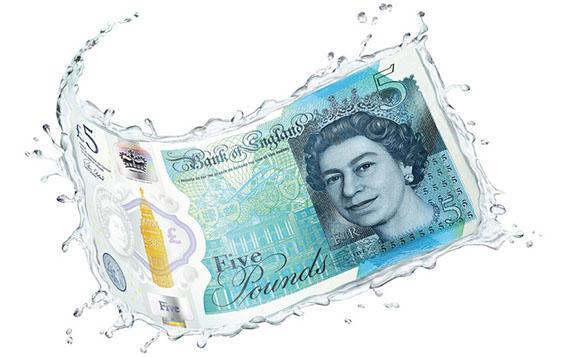 El nuevo billete es más ?limpio, seguro y fuerte?, según el Banco de Inglaterra.