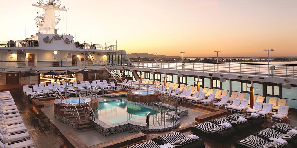 Oceania Cruises destaca las puestas de sol en los confines del norte de Europa o los barrios secretos, tabernas y plazas al rededor del Mediterráneo.
